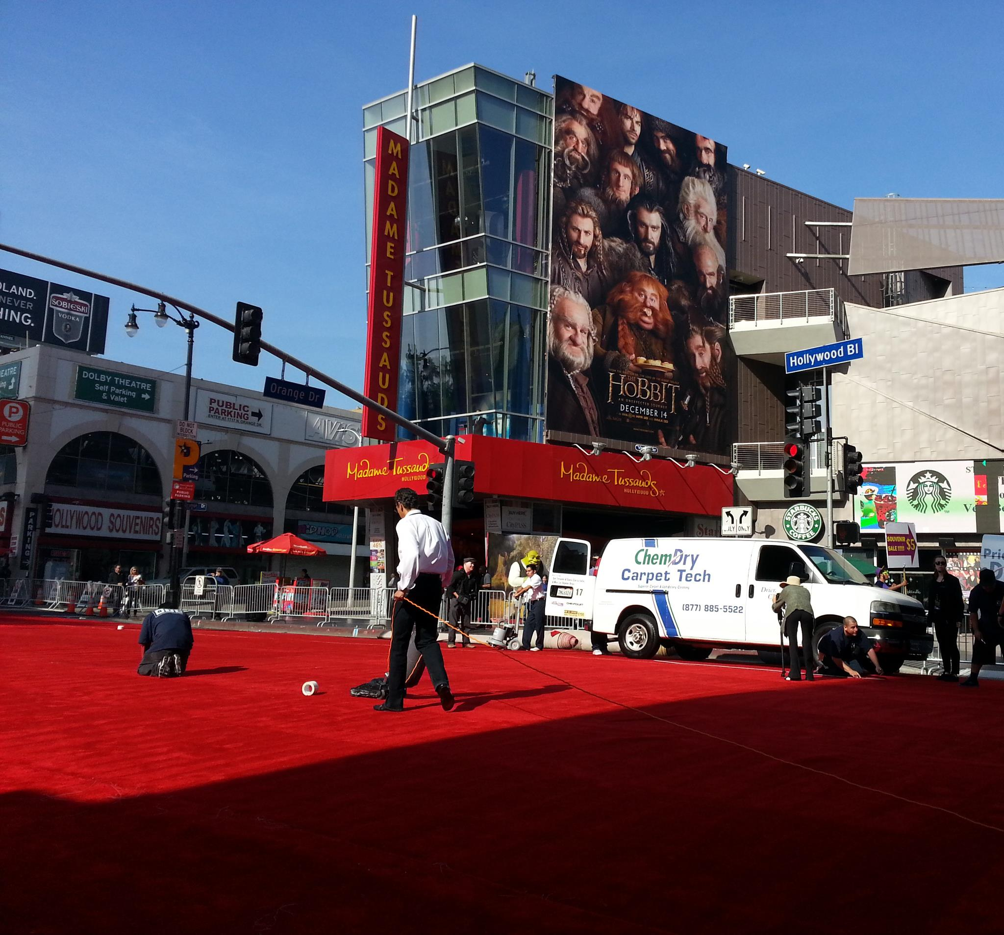 cleaning the red carpet in los angeles ca